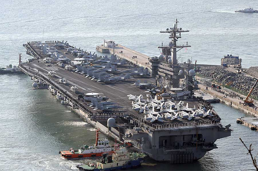 USS-Carl-Vinson-in-Korea